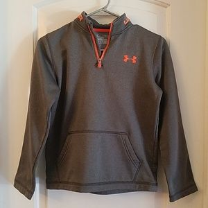 Boys Under Armour sweater size M